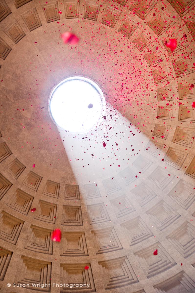 Rome, Pantheon, Roses, Susan Wright Photographer, Rome Italy